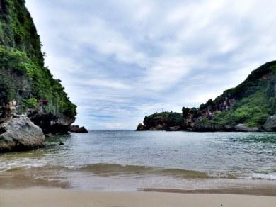 Pantai Ngrenehan (1)
