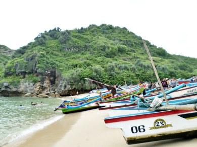 Pantai Ngrenehan (4)