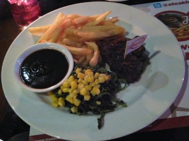 Prime Tenderloin 200gr, sauce blackpapper, french fries, spinach