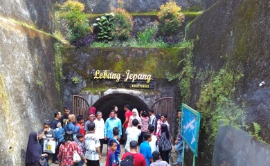 Lubang Jepang Bukittinggi