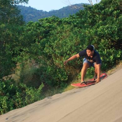 foto diambil dari instagram.com/sandboarding_yogyakarta