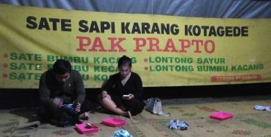 Sate Sapi Pak Prapto Lapangan Karang (3)