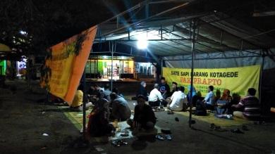 Sate Sapi Pak Prapto Lapangan Karang Kotagede (1)