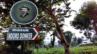 Rumah Teh Ndoro Donker (2)