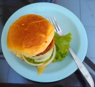 burger-monalisa_-sisingamangaraja_jogja-3