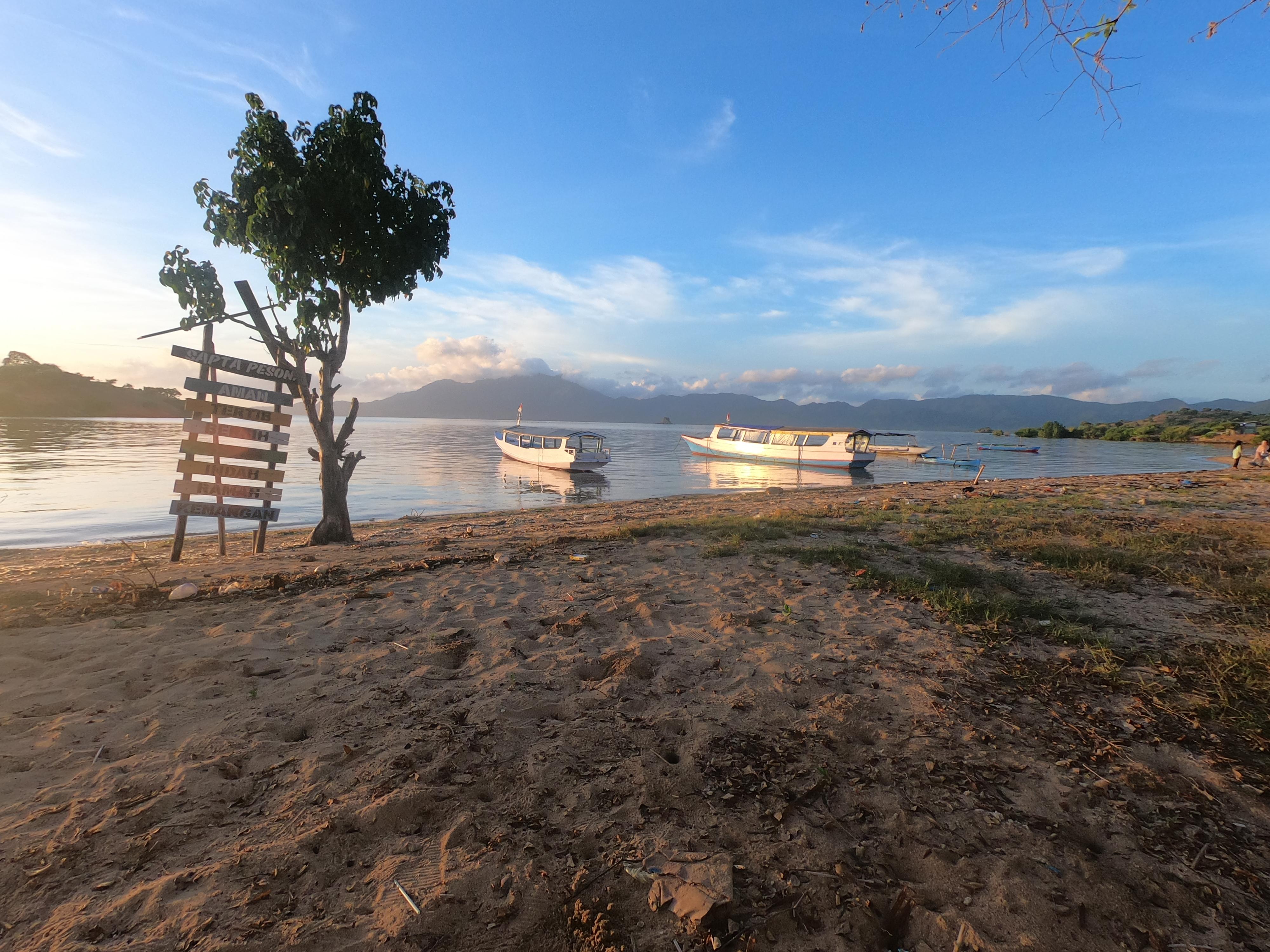 Pantai Lariti